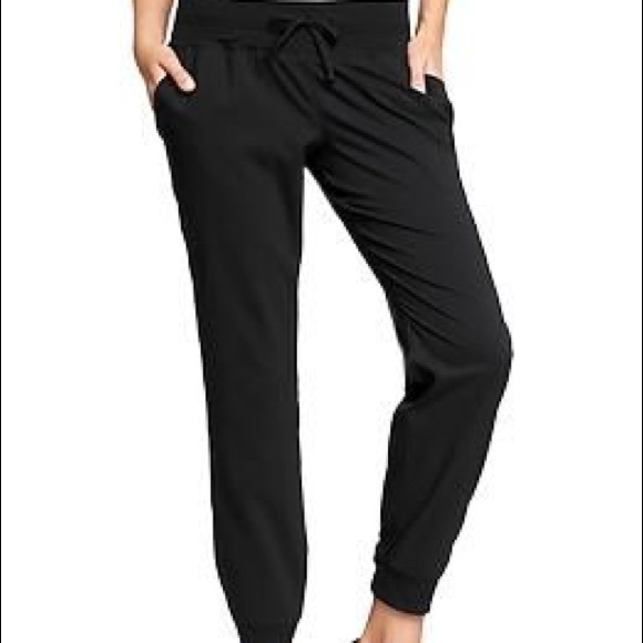 7fc112c0e4 Old Navy Active Joggers